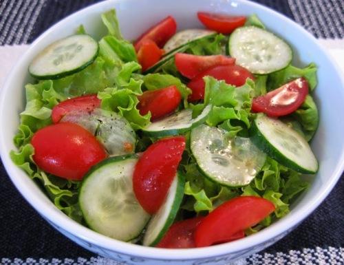 Resultado de imagem para salada de tomate