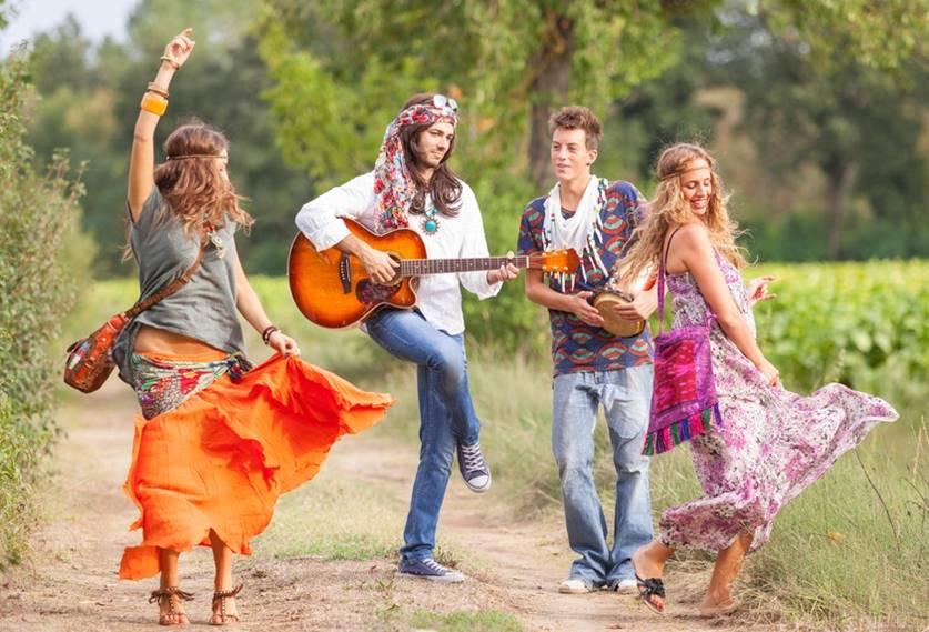 Resultado de imagem para tribo hippies