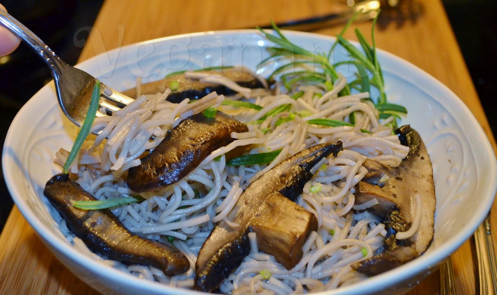 Resultado de imagem para sopa de cogumelos champignon e portobello